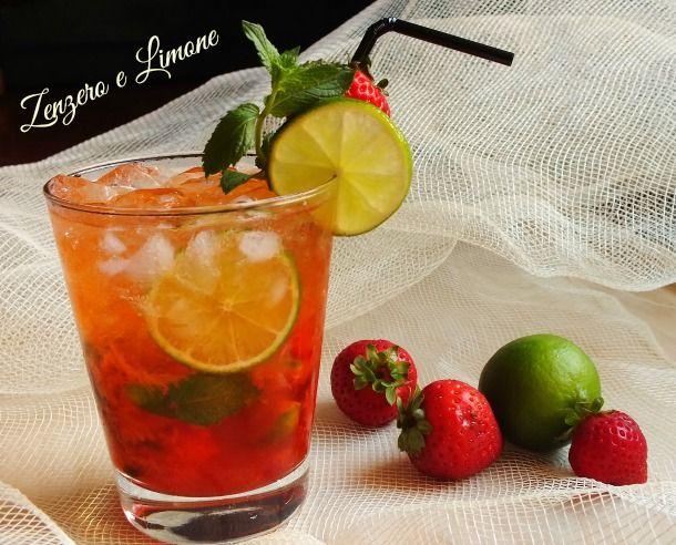 """Il mojito alla fragola è un drink tipicamente estivo. Fresco, dissetante, perfetto da servire durante un """"dopo cena"""" tra amici."""