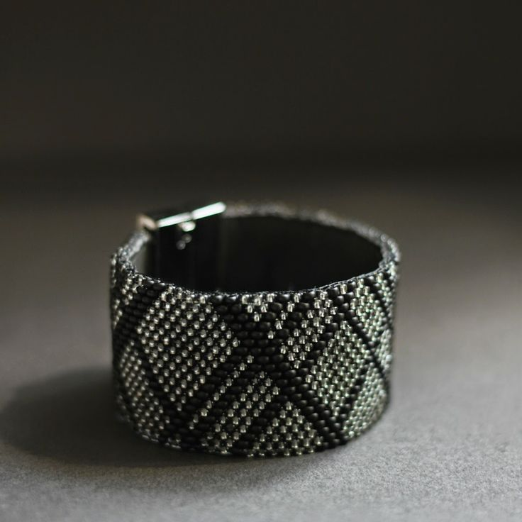 bransoletka. bracelet. Karolina-G /// http://karolina-g.blogspot.com/2014/06/szeroka.html