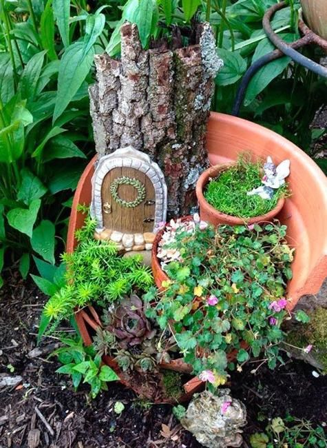 22 miniature garden design ideas to enjoy natural beauty in city homes and small outdoor rooms - Fairy Garden Ideas For Small Spaces