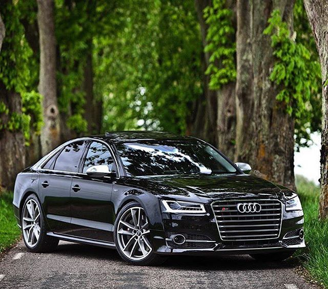2016 Audi S8 Plus ✔️ cc: @dailyluxurylifestyle  Photo by @auditography