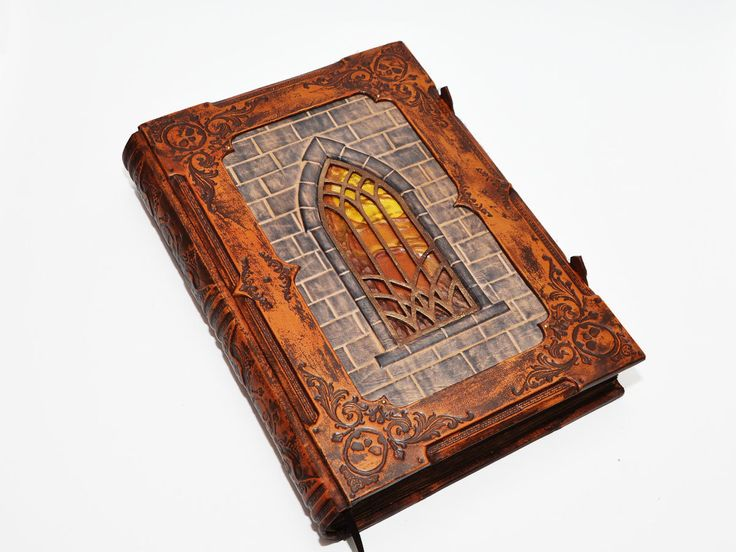 "Very large leather journal, ""A tale from Transylvania"", gothic style, with 560 pages and 10.4x14.5inch (26x36.5cm), in gift box. by dragosh on Etsy"