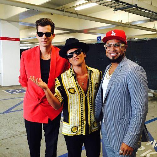 Bruno Mars,Mark Ronson, Phill Lawrence