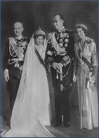 1938 - Grecia (Greece) ~ Prince Paul & Princess Frederika ~ La mantilla que lució la Reina Federica en su boda fue la misma que llevaría Doña Sofía el día de su boda. La propia Reina Federica lo narra en sus memorias con mucho cariño.