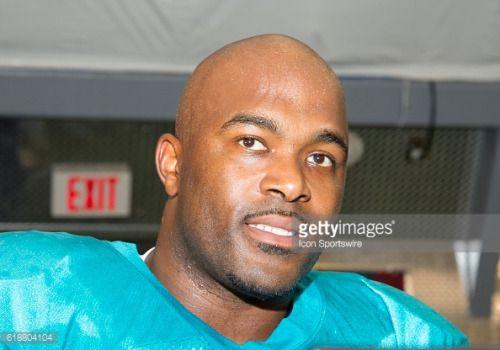 06 August 2016: Miami Dolphins Defensive End Mario Williams (94)... #ostrozskanovaves: 06 August 2016: Miami Dolphins… #ostrozskanovaves