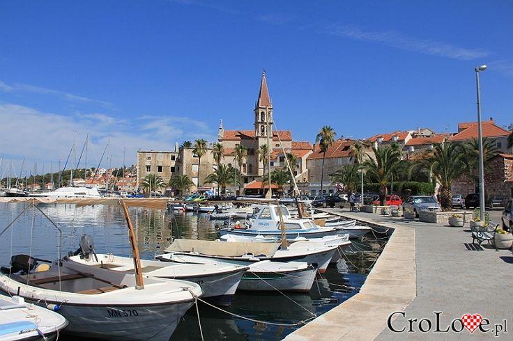 Milna || #Croatia #Chorwacja #Hrvatska #Island #CroatianIslands #Brac #Omis || http://crolove.pl/rejs-statkiem-wokol-wyspy-brac