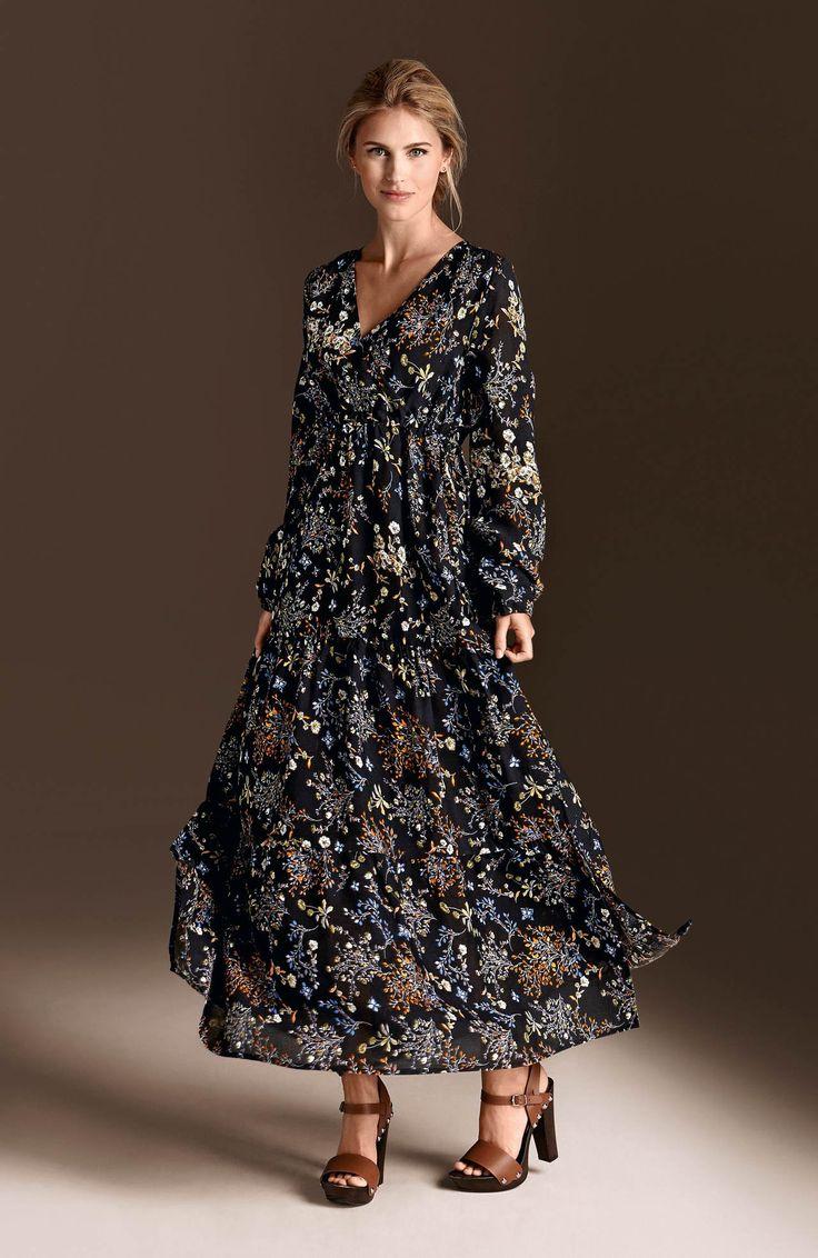 WORKER GIRL  Długa sukienka w pięknym motywem kwiatowym od Happy Holly, 229 zł http://www.halens.pl/moda-damska-rozmiary-specjalne-na-gore-5828/sukienka-maxi-nora-564171?imageId=406767&variantId=564171-0179