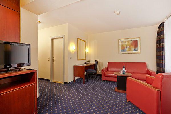 Blick in eines der Hotelzimmer / View into one of the hotel rooms | H+ Hotel Goslar