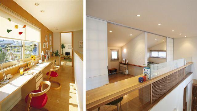 """吹き抜けに共用の机などを設置した「ファミリーステーション」(右、<a href=""""http://www.sekisuihouse.co.jp/yumekojo/"""" target=""""_blank"""">積水ハウスの関東 住まいの夢工場</a>)"""