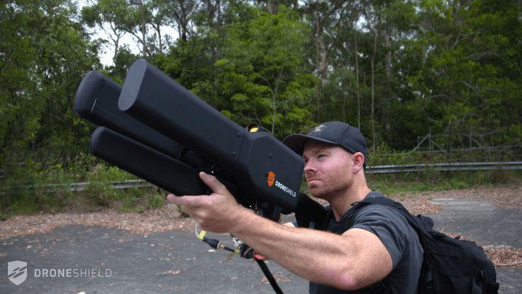 VIDÉO : La société australienne DroneShield a mis au point ce brouilleur capable de neutraliser et de contrôler à distance les drones indésirables.