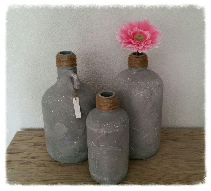 Betonlook kruiken bewerk vazen potten flessen met for Potten en vazen