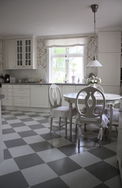 I want a nice kitchen D: