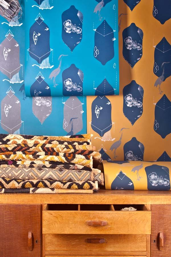 Tailor-made wallpapers designed and hand screen printed in Bristol by Addicted to Patterns  #wallpapers #bespoke #Bristol #silkscreenprinting #interiordesign  http://addictedtopatterns.uk/project/avon-heron/