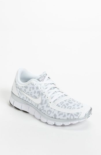 Nike Shoes 2015 White and Cheetah print Nike Free