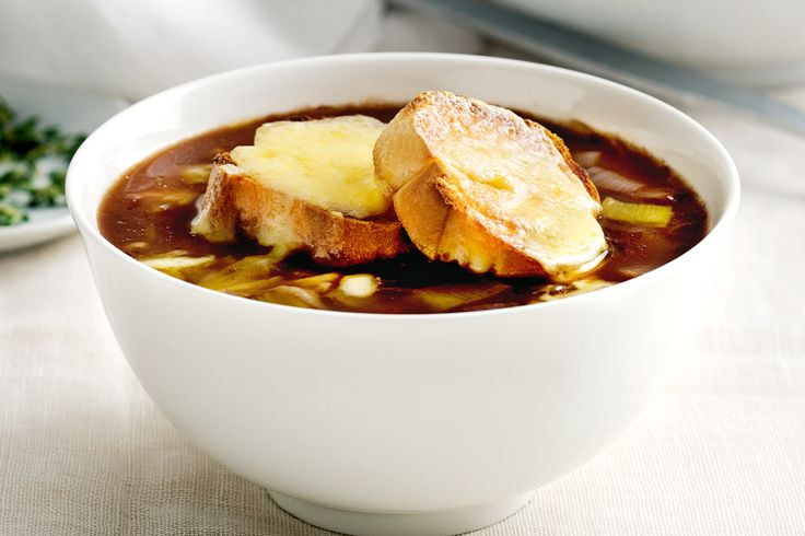 Onion soup with garlkic and cheddar croutons