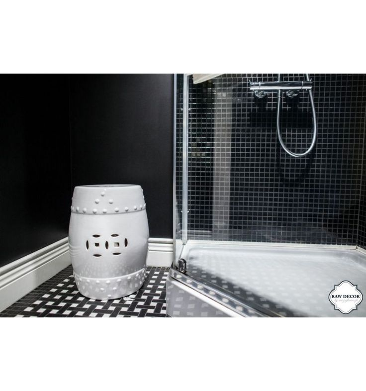 Dekoracja wnętrz - Bęben biały, koła - Stołki ceramiczne - Sklep z płytkami Mozaikowe.pl