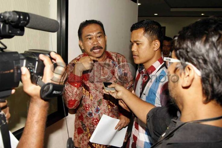 Jaksa Berikan Tanggapan Atas Eksepsi Raja Bonaran Situmeang http://sin.do/a2oC  http://photo.sindonews.com/view/11561/jaksa-berikan-tanggapan-atas-eksepsi-raja-bonaran-situmeang