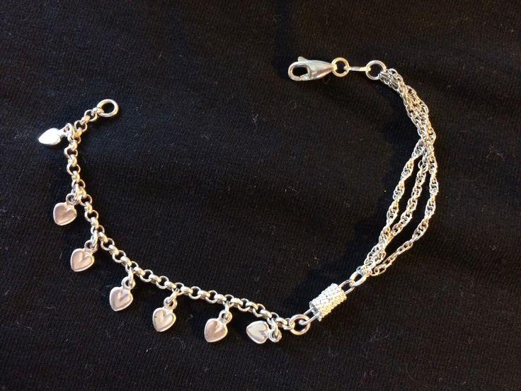 Un preferito personale dal mio negozio Etsy https://www.etsy.com/listing/230244490/silver-bracelet-with-heart-pendants