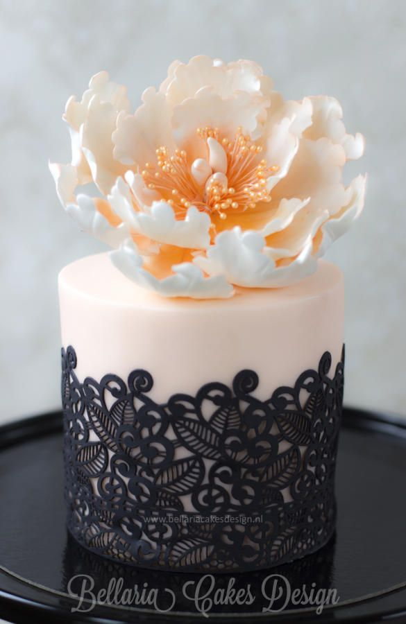 Mini cake with black lace and open peony
