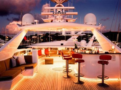Luxury Yacht shore attendance Cartagena Colombia, key player network ( http://yook3.com )