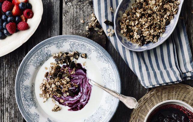 Yoghurt med blåbærkompot og kardemomme- mysli