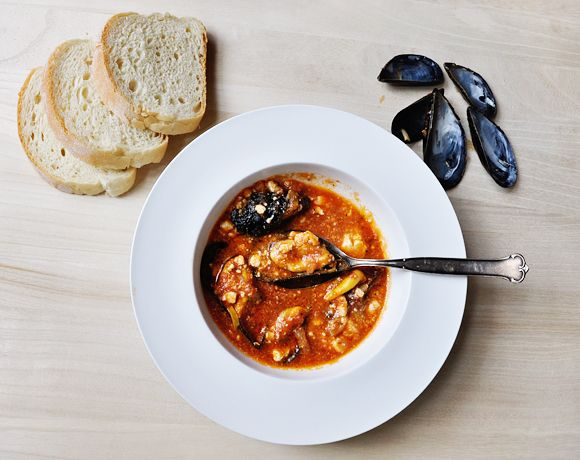 Mussels Saganaki (mussels in a spicy tomato sauce with feta cheese ...