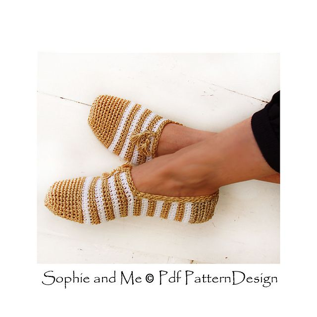 Ravelry: Gold and White Slippers pattern by Ingunn Santini €5.00 EUR about $5.83
