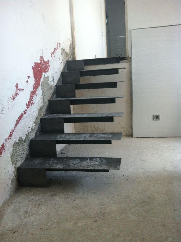 Nueva escalera.