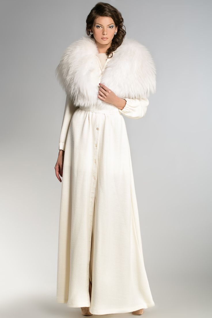 White overcoat - Igor Gulyaev Collection #White #overcoat #IgorGulyaev #Collection #fashion #trend #fur #beauty #fashionista #gorgeous #designer #musthave #russianmade #winter