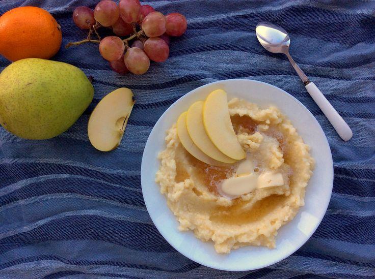 Kaše z jáhel s máslem, medem a jablkem