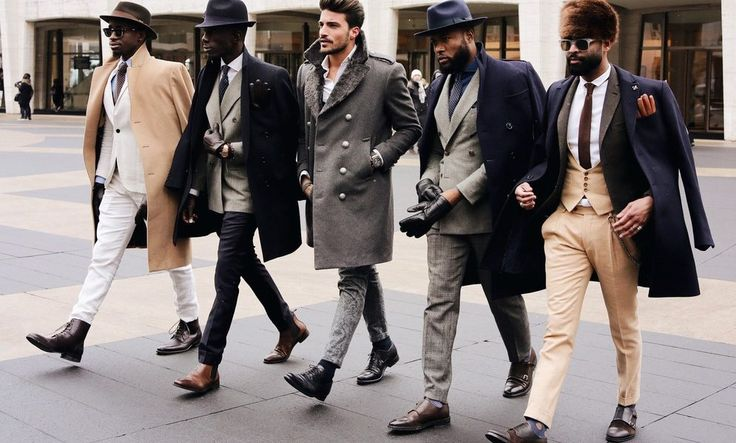Barbati eleganti si cu stil, femei fericite