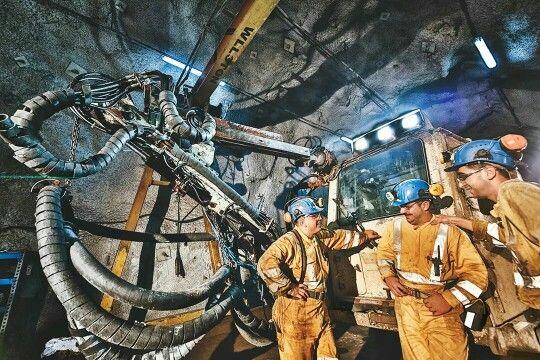 Çayeli Bakır isletmesi Madencinin Günlüğü Sergisi. #mining #maden #canon #fqm #afterlight #madenli #çbi #çayelibakir #100YAPIM