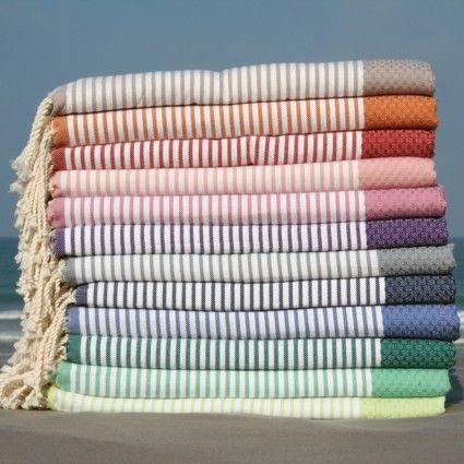 Les Foutas de plage en Coton Nid d'Abeille Rayures, légères et absorbantes chez Cosydeco.com