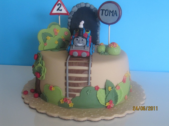Cake Decor Thomas : 98 best images about Thomas on Pinterest