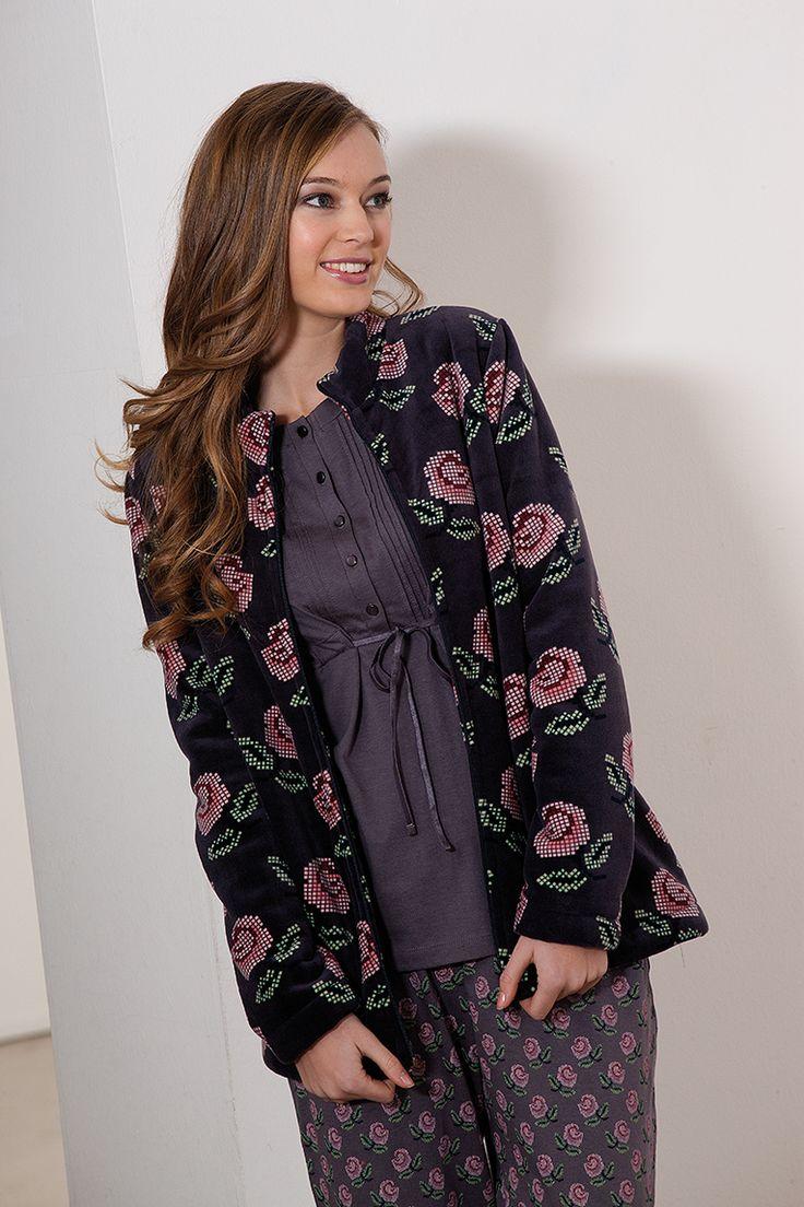 #roses #pijama #flowers #warm #winter #soft #señoretta #bata #jacket #invierno