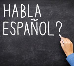 Yo asisto a la clase de español a las diez y cinuenta. La clase es activio.