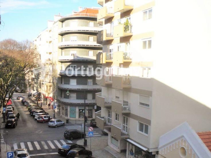Vende T2 Duplex, totalmente remodelado, Jardim da Parada, Campo de Ourique - Portugal Investe