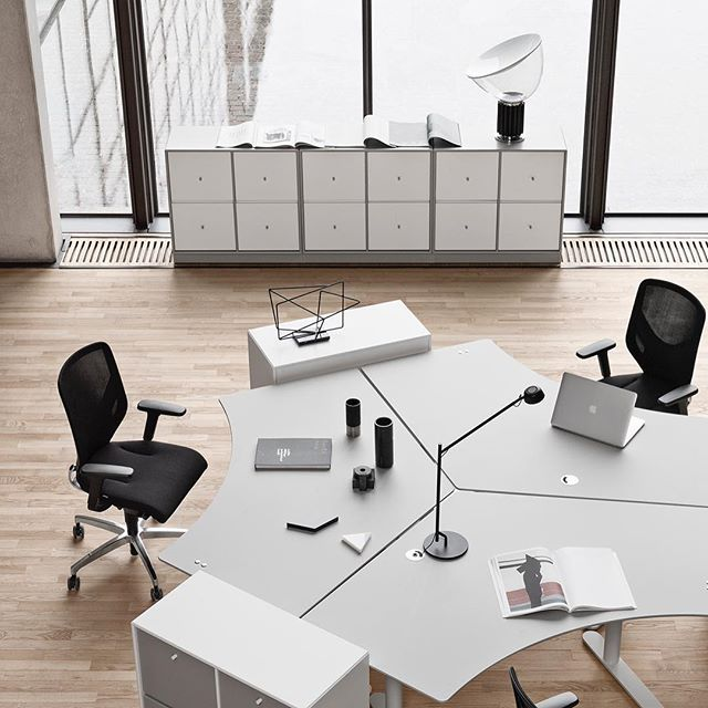 Montana Office. Hilow 2 tables and storage. #montanafurniture #danishdesign #officespace #officedecor #officedesign #workspace #worktable