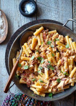pasta med kylling og soltørkede tomater