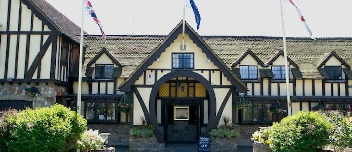 Horseshoe Inn, Windmill Hill, nr Herstmonceux Castle