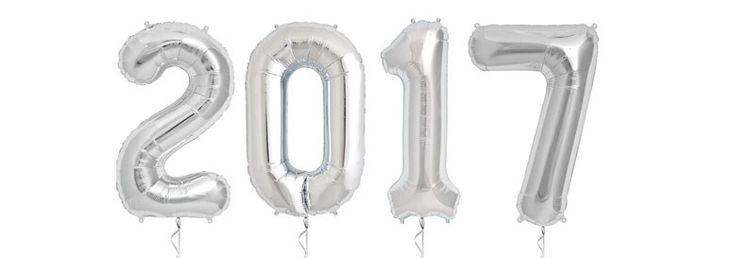 Sølv 2017 Folie Balloner 86 cm - Pakke med 4. Markedets bedste folie-kvalitet. Alle folie balloner leveres u-oppustede. Denne folie ballon kan fyldes med luft eller helium. Pusterør til luft-oppustning medfølger. Hvis den fyldes med helium svæver den i ca. 1 uge.
