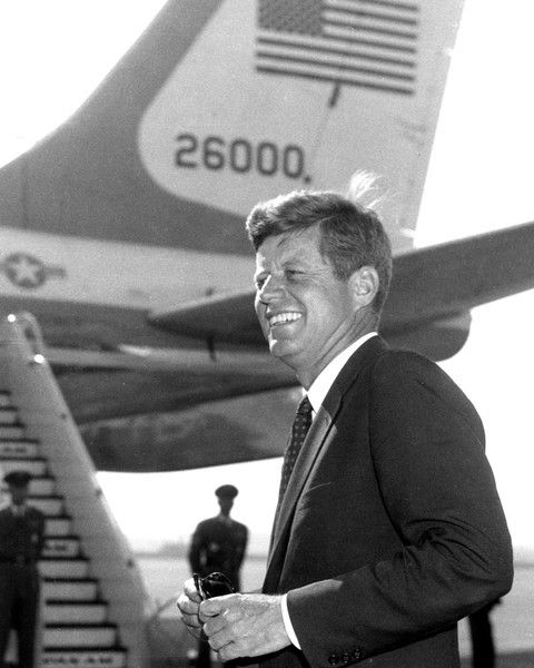 1961. 16 Novembre (à confirmer). By Paul V. THOMAS. John F Kennedy at Boeing Field, Seattle.