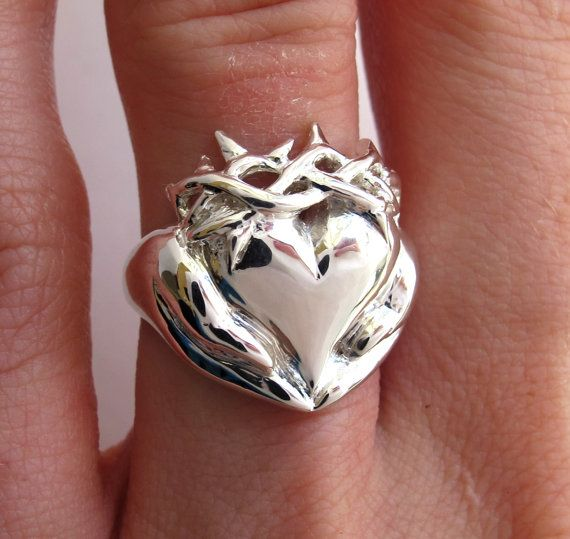 Callie Thorny Claddagh Ring - Celebrity Callie Thorne - Chunky Ring - Gifts for Her - Red Carpet Jewelry- Irish Celtic promise Ring Rickson