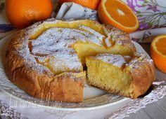 Crostata morbida all'arancia, una crostata golosissima, con una base croccante fuori e morbida e cremosa dentro. Pasta frolla e crema con succo di arancia
