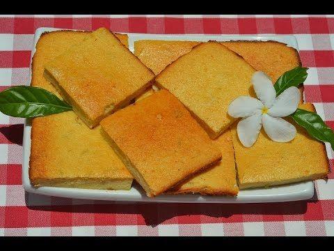 Фиадоне | Фиадоне — самый популярный и известный десерт на Корсике. Его так же называют «Корсиканский чизкейк», и хотя корсиканцы не будут слишком рады услышать это, он так же упоминается, как «Корсиканский торт с сыром рикотта» — известный итальянский пасхальный пирог. Фиадоне так же популярен на Корсике, как чизкейки в Америке. А теперь этот замечательный десерт станет одним из моих любимых, так как я очень люблю творожную выпечку, особенно без муки и особенно с добавлением цедры.