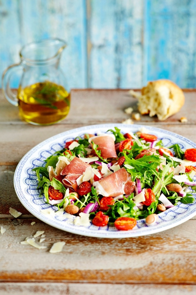 Italialainen papu-tomaattisalaatti | Italia | Pirkka #food #Italian