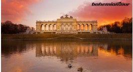 Vídeň – metropole, která láká ročně statisíce návštěvníků lačnících po historii, módě, gastronomických lahůdkách i umění.