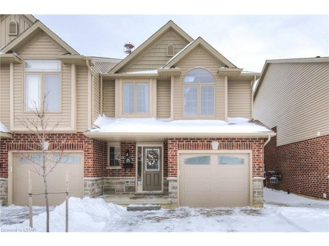 1061 EAGLETRACE DR   1 Year Old, 3 Bedroom, 2 Storey Townhouse Located In  The Towns Condo Development In NW London. Features 1 Car Attached Garage U2026