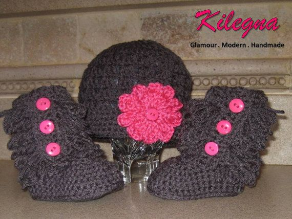 crochet baby boots  furr boots and hat set Charcoal by Kilegna, $29.99