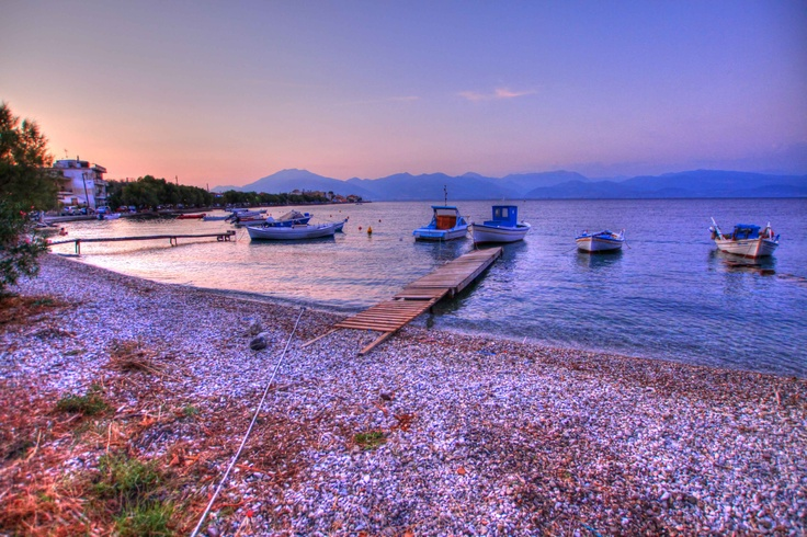 The seaside village of Psathopyrgos. Only a five-minute walk from Florida Blue Bay Resort. Photo by Catherine Kõrtsmik.
