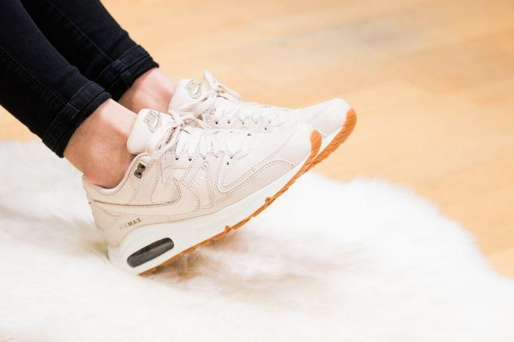 Nike - WMNS Air Max Command   https://www.unitedbrands.be/nl_be/schoenen/dames-schoenen/dames-schoenen-sneakers.html?merk=nike